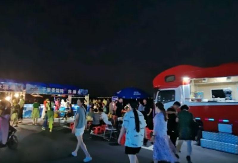 襄阳河畔汽车影院