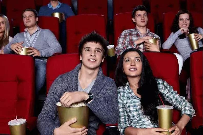 暑期来临,电影院如何吸00后消费者?